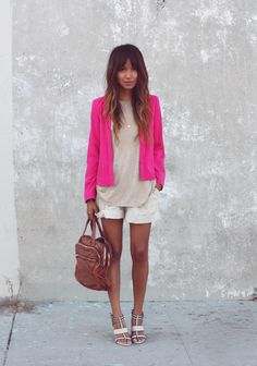 This bright blazer sets off this neutral outfit. Blazers Rosa, Hot Pink Blazers, Pink Ladies, Passion For Fashion, Love Fashion, Womens Fashion, Fashion Styles, Trendy Fashion, Fall Fashion