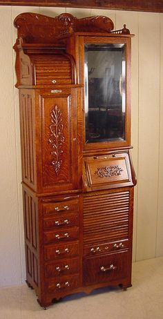 Rustic Cabinets For Your Antique Kitchen – Antique Kitchen Ideas Painting Wooden Furniture, Furniture Near Me, Furniture Styles, Dining Furniture, Rustic Furniture, Cool Furniture, Furniture Design, Modern Furniture, Rustic Cabinets