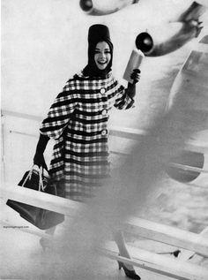 Photo by Lillian Bassman for Harper's Bazaar, January 1961.