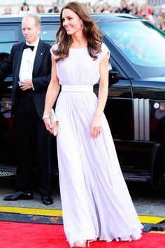 Kate Middleton Style - Fashion and Beauty Pictures of Kate Middleton - ELLE