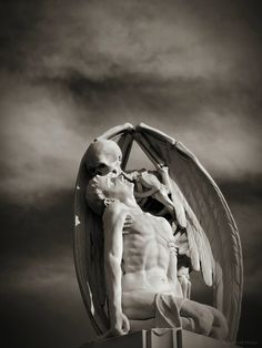 Kiss of Death sculpture, Located in Barcelona's Poblenou Cemetery