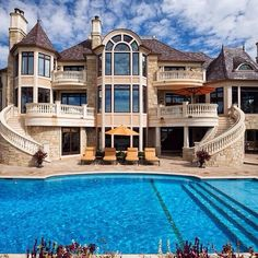 House like this for me one day. #DeserveIt #Dream that will come true.