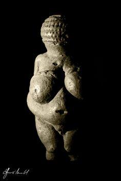 Venus de Willendorf by Alfonso Muñoz Gil, via Flickr