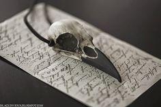 Raven Skull Pendant - Halloween Resin Bird Skull Necklace (Aged Finish Painted Beak) - Gothic Taxidermy Bird Skull