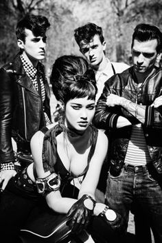 I've always been hooked on this vintage look. Motorcycle jackets, blackest eyeliner, leopard-print and rebellious rockers. Perfect clash of cool.