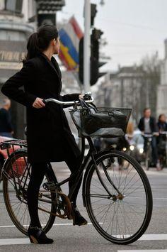 "bikesandgirlsandmacsandstuff: "" (via Paint It Black: 8 Chic Black Bike Accessories - Eleanor's | Stylish Bicycle Accessories for Ladies) """