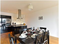 London America 2 Bedroom Apartment United Kingdom, Europe Set in a prime location of London, America 2 Bedroom Apartment puts everything the city has to offer just outside your doorstep. The hotel offers a high standard of service and amenities to suit the individual needs of all travelers. Free Wi-Fi in all rooms, family room are just some of the facilities on offer. Designed for comfort, selected guestrooms offer towels, television LCD/plasma screen, sofa, mirror, internet a...