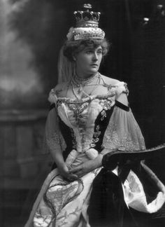 1902 Countess Clancarty, Isabel Maude Penrice, Countess Clancarty, née Bilton (stage name Belle Bilton) at coronation of Edward VII by Lafayette Photographic Studio Royal Tiaras, Royal Jewels, Tiaras And Crowns, Crown Jewels, Antique Photos, Vintage Photographs, Vintage Photos, Maude, Court Dresses