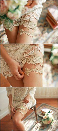 gold lace bridal garter set / http://www.deerpearlflowers.com/wedding-garters-sets-from-etsy/