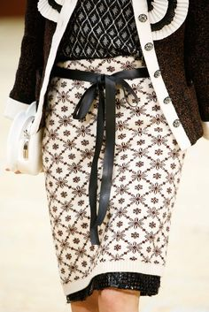 Chanel - Fall 2015 Ready-to-Wear - Look 114 of 161