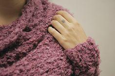 Esta hecho con lana fantasía gruesa y agujas numero 8. yarn that  I love. knitting is my passion.