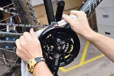 Tips for cleaning and oiling bikes.