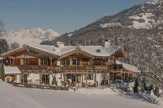 Landhaus Blaufeld im Winter. Million Dollar Homes, Modern Mansion, Felder, Modern Interior, Dining Area, Terrace, Entrance, Castle, Villa
