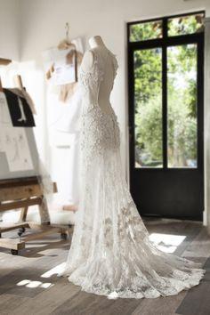 ed5eb390bb71 BIBLOS - Robe de mariée en dentelle de Calais - Cymbeline Collection 2018
