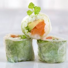Maki saumon avocat - Recettes Spicy curries, crispy Pekin… in 2020 Sushi Co, My Sushi, Asian Recipes, Healthy Recipes, Ethnic Recipes, Sushi Party, Avocado, Salty Foods, Best Food Ever