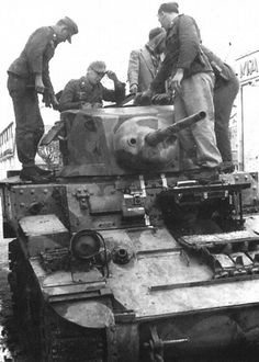 Tunisia 1942- captured US tank, pin by Paolo Marzioli
