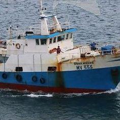 Offerte di lavoro Palermo  L'equipaggio dell'Anna Madre attualmente trattenuto nel porto di Sfax protesta contro la decisione delle autorità tunisine di infliggere una multa di 69 mila...  #annuncio #pagato #jobs #Italia #Sicilia Mazara sciopero della fame dei pescatori fermati in Tunisia