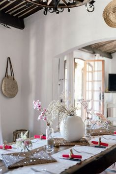 French Wedding Style, Real Couples, Wedding Table, Tablescapes, Wedding Dresses, Stuff To Buy, Furniture, Ideas, Home Decor