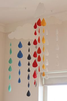 Cloud with rainbow rain drops mobile for baby's room!!! <3 I am making this! Infant Room Daycare, Daycare Rooms, Infant Classroom, Kindergarten Classroom Decor, Classroom Wall Decor, Preschool Rooms, Class Decoration, School Decorations, Mobiles