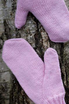 Mittens, Knits, Socks, Knitting, Winter, Fashion, Fingerless Mitts, Winter Time, Moda