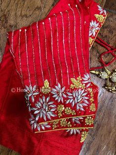 Hand Work Blouse Design, Simple Blouse Designs, Stylish Blouse Design, Blouse Neck Designs, Wedding Saree Blouse Designs, Maggam Work Designs, Red Saree, Mirror Work Saree Blouse, Latest Maggam Work Blouses