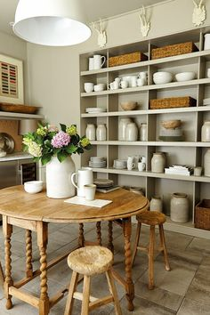 Southern Living Idea House White and Wood Farmhouse Style Dining Room. - Home Designs Pantry Shelving, Open Shelving, Sweet Home, Southern Living Homes, Country Style Homes, Southern Style, Cool Ideas, Farmhouse Decor, Farmhouse Style