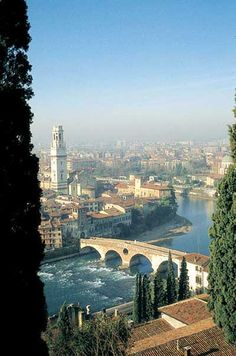 Verona, Italia - Did you Romeo & Juliet see this view too? Places Around The World, Oh The Places You'll Go, Places To Travel, Places To Visit, Around The Worlds, Travel Destinations, Dream Vacations, Vacation Spots, Italy Vacation