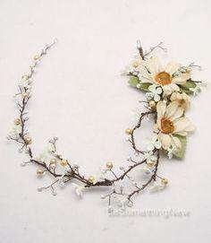 Pelo novia corona pelo Floral rústico vid de Marfil margaritas y perlas, abalorios boda Woodland Halo, corona de flores. Tocado de novia boho.