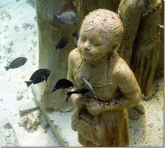 'Silent evolution' underwater statues by Jason deCaires Taylor create a reef for wet-critters near Cancun ~ Isla Mujeres, Mexico Underwater Sculpture, Underwater Art, Underwater Photography, Sculpture Art, Sculpture Museum, Sculpture Garden, Art Museum, Clay Sculptures, Jason Decaires Taylor