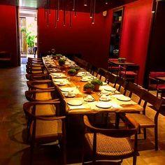 casadinoce_italy6m solid wlanut table #conferencetable #dinnertable #casadinoce #epiplakarydias
