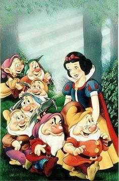 Snow White and the Seven Dwarfs Walt Disney animation movie classic Walt Disney, Disney Love, Disney Magic, Disney Art, Snow White 1937, Snow White Seven Dwarfs, Disney Princess Snow White, Snow White Disney, Old Disney Movies