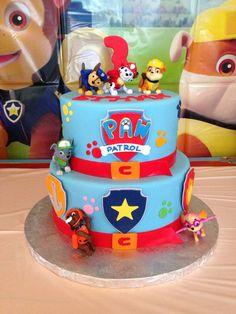 Paw patrol lookout tower, bottom is Rice Krispie treats, t Bolo Do Paw Patrol, Paw Patrol Torte, 3rd Birthday Parties, Birthday Fun, Birthday Cakes, Birthday Ideas, Third Birthday, Paw Patrol Birthday Cake, Cupcake Cakes