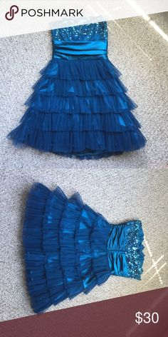 Short Blue Homecoming Dress Masquerade dress size 5/6. Zipper back. Only worn once! Dresses Strapless
