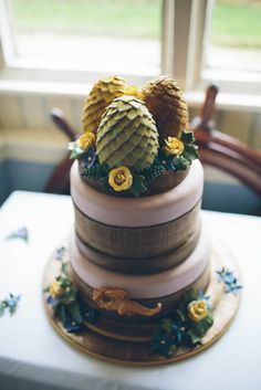 Southern American Inspired Wedding - GAME OF THRONES CAKE! To go with our dragon egg ring box / engagement?