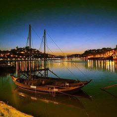 #nacht #nachtfotografie #night #nightphotography #ig_europe #streetphotography #igersportugal #portugal #loves_united_europe #loves_portugal #loves_europe #loves_united_belgium #loves_united_portugal #boat#water#douro #light #porto #city #citytrip #citylife #cityscape#travelbird#landscape by christophe.de.sutter1 Night Photography, Street Photography, Porto City, Douro Valley, Five Star Hotel, In The Heart, City Life, Sailing Ships, Belgium