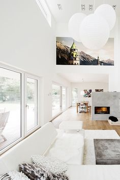 Awe inspiring interior design, beautiful locales, and incredibly comfy looking couches to snuggle up on with your loved ones. The Interior Design Piccsy stream will never fail to leave you inspired. House Design, Home Living Room, House, Interior, Home, House Styles, House Interior, Interior Design, Home And Living
