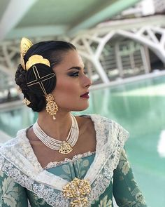 Mediterranean People, Traditional Outfits, Roots, Make Up, Hair Styles, Beauty, Dresses, Fashion, Vestidos