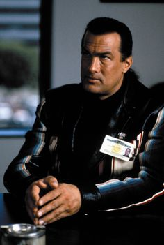 Fire Down Below - Publicity still of Steven Seagal Best Action Movies, Great Movies, Below Movie, Celebrity Dogs, Steven Seagal, Mel Gibson, The Expendables, Chuck Norris, Martial Artist