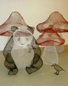 Panda y Hongos. Chicken Wire Sculpture, Kids Zone, Soft Sculpture, Wire Art, Medium Art, Artist At Work, Installation Art, Three Dimensional, Dinosaur Stuffed Animal
