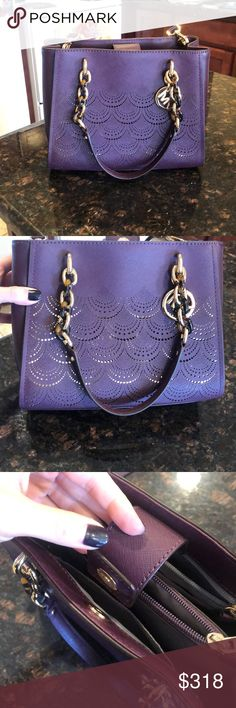 525f4bfb5 BARELY USED Michael Kors purse 💜💜💜 Used only a few times and in very