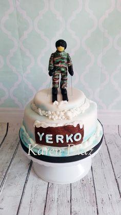 Soldado esquiando torta