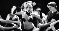 レディー・ガガ『アプローズ』のパロディ映像が大人気『Lady Gaga Applause PARODY! 』