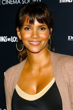 Halle Berry Pictures and Photos - Fandango Halle Berry Bikini, Best Actress, Beauty Queens, Beautiful Celebrities, In Hollywood, American Actress, Fashion Models, Berries, Actresses