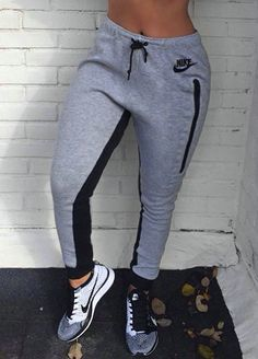 Mens/Womens Nike Shoes 2016 On Sale!Nike Air Max, Nike Shox, Nike Free Run Shoes, etc. of newest Nike Shoes for discount sale Nike Outfits, Sport Outfits, Fall Outfits, Casual Outfits, Adidas Outfit, Nike Free Outfit, Fitness Outfits, Milan Fashion Weeks, New York Fashion
