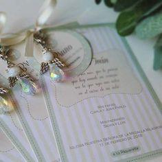 Souvenir comunion. Nena-Nene. Ideas Comunion. Comuniones. Pearl Earrings, Emilio, Pearls, Aurora, Instagram, Ideas, Boutique Design, Baptism Favors, Christening Card