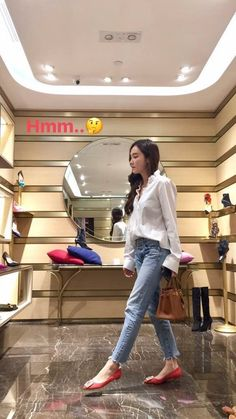 Krystal Jung Fashion, Jessica Jung Fashion, Red Shoes Outfit, Korean Casual Outfits, Ex Girl, Jessica & Krystal, Korean Celebrities, Airport Style, Girls Generation