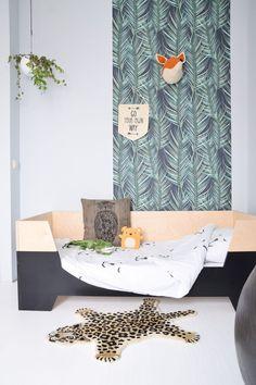 Graham & Brown wallpaper in the kidsroom Baby Bedroom, Kids Bedroom, Bedroom Ideas, Nursery Themes, Nursery Decor, Sibling Room, Scandinavian Kids Rooms, Brown Wallpaper, Kids Decor