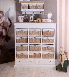 Klassisch schöne Apothekerkommode im Landhausstil von palazzoint via dawanda.com