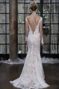 Love the back of this wedding dress.