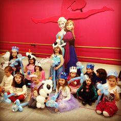 Frozen party!!!!  Balloon fun !